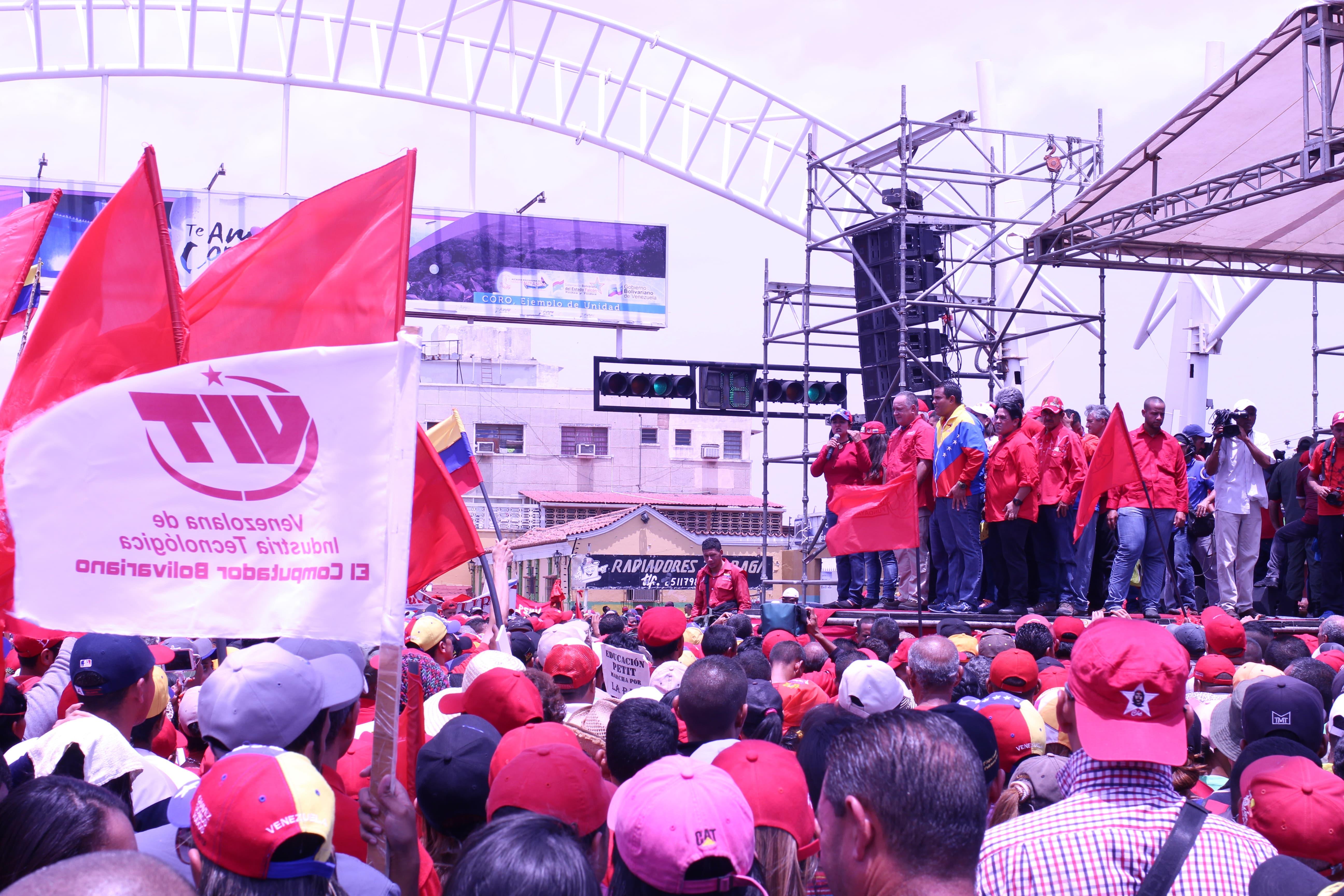 VIT marchó por la defensa de la Revolución en Coro