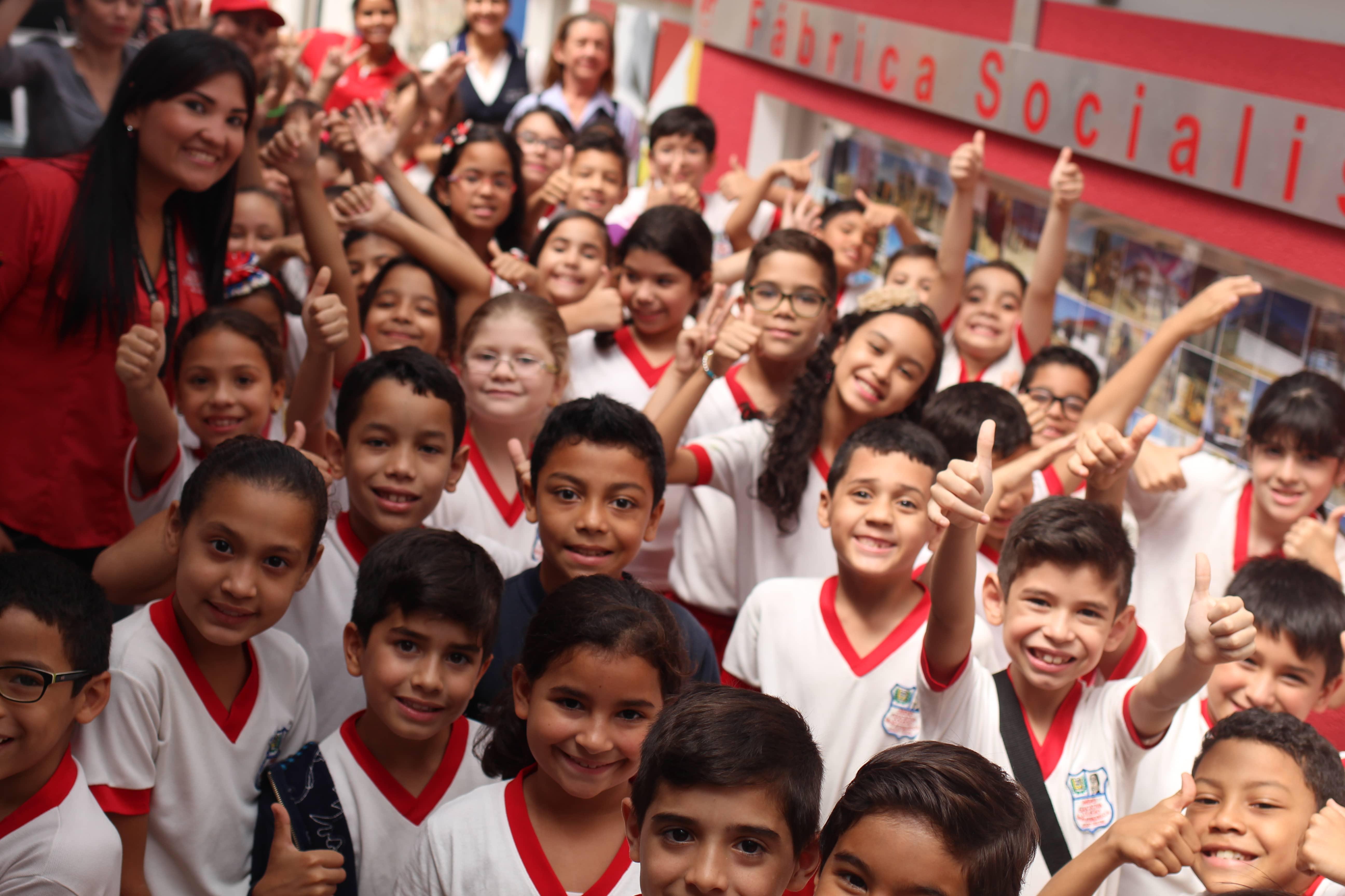 Más de 100 alumnos de la U.E Simón Rodríguez conocieron VIT