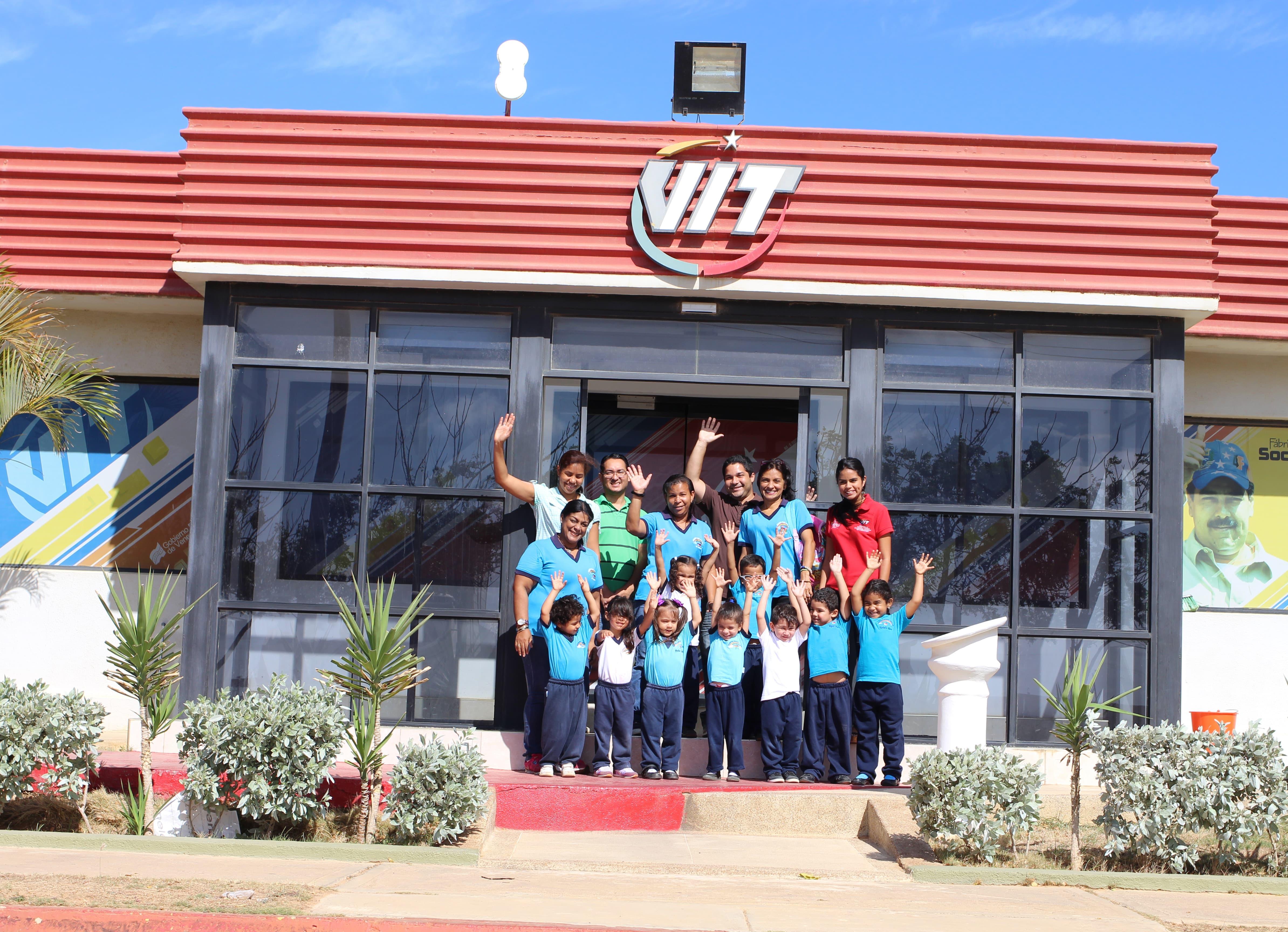 Pequeños de la Guardería Infantil Arcoíris llenaron de alegría nuestra fábrica