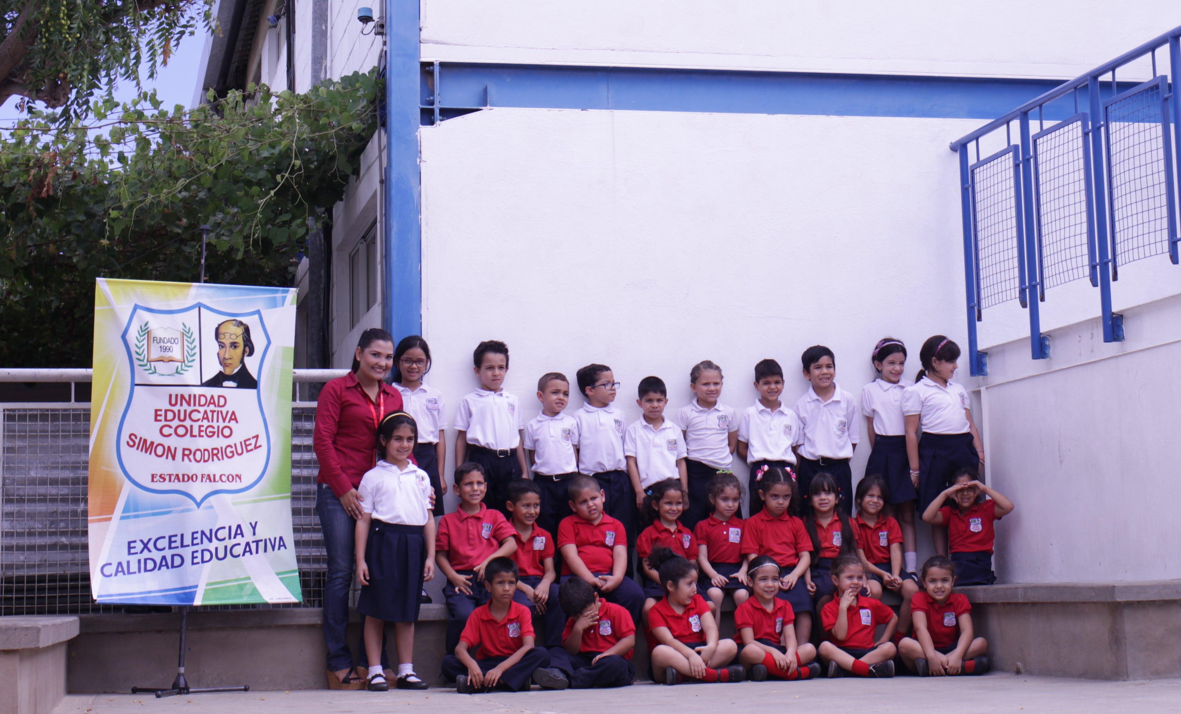 Tecnología Educativa visitó a los niños del  Colegio Simón Rodríguez