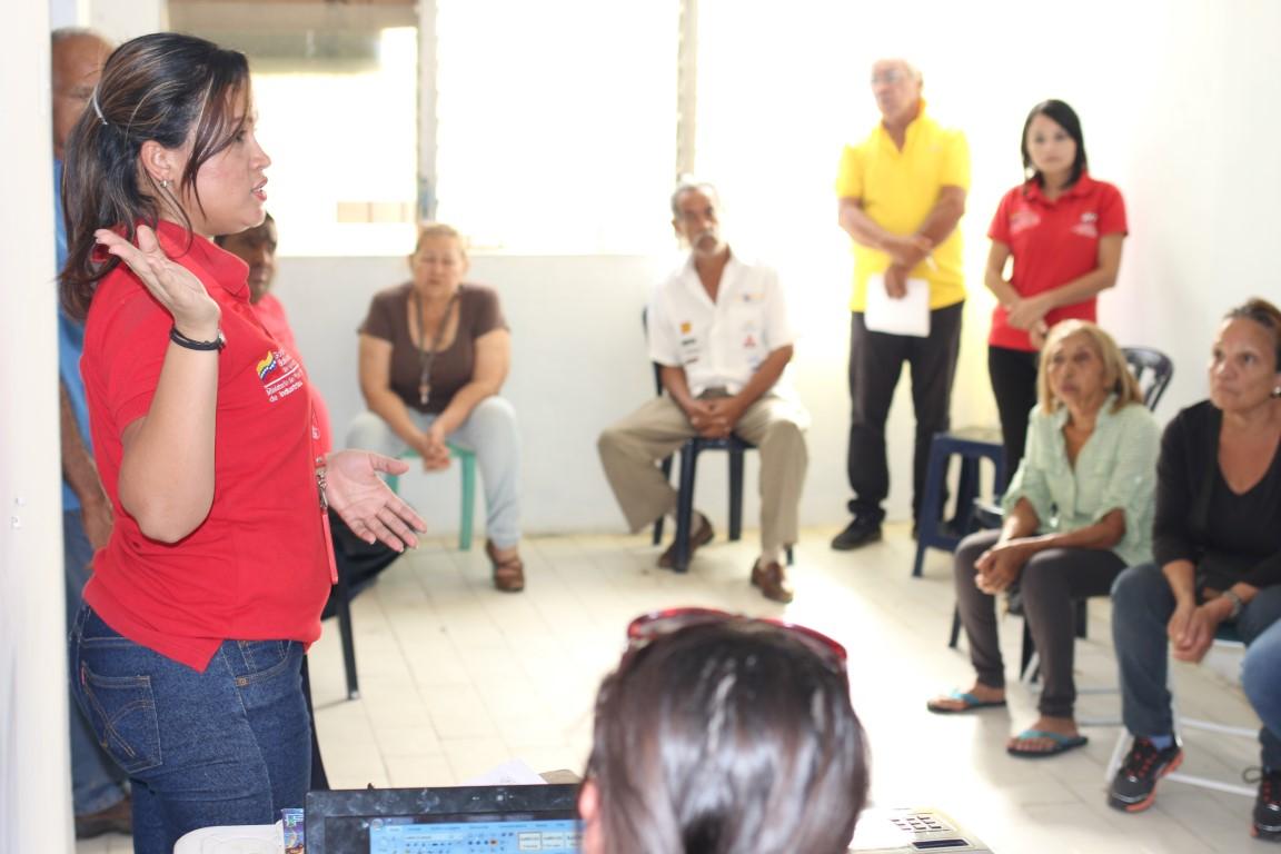 """Habitantes de Residencias """"La Puerta"""" reciben capacitación gracias a Tecnología Educativa extensión Comunal"""