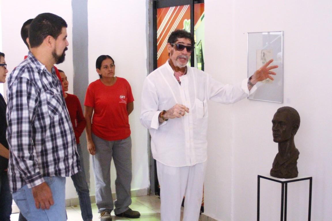 VIT abre sus espacios para exponer obras artísticas de Henry Curiel