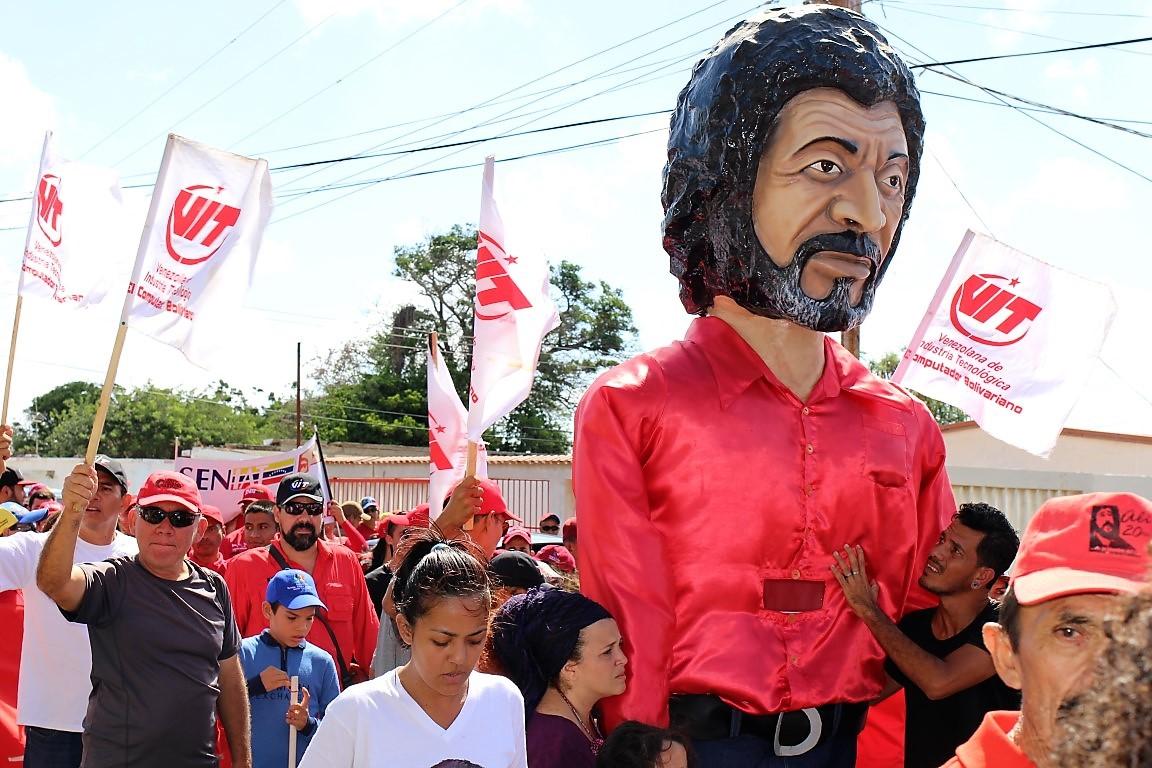 VIT se sumó a la gran marcha de los Claveles de Alí Primera